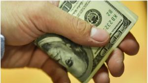 дефицит против доллара